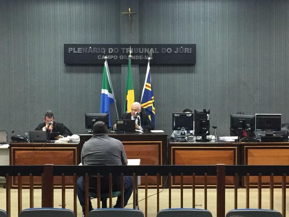 Antonio Benitez foi ouvido nesta quarta-feira (29) acusado pelo assassinato do delegado aposentado Paulo Magalhães em 2013. (Foto: Graziela Rezende/G1MS )