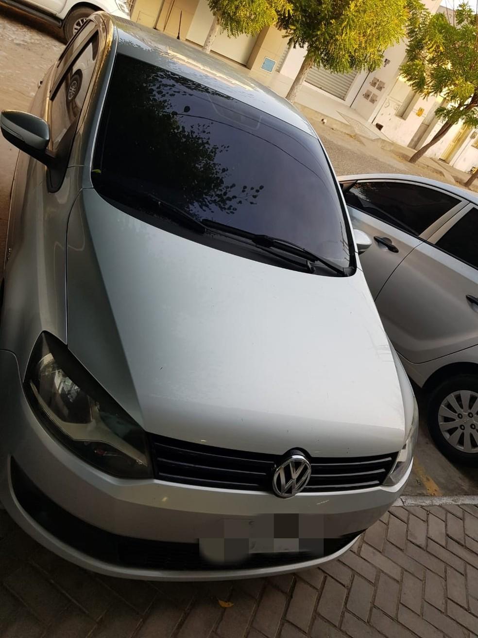 Veículo negociado em Russas foi apreendido e restituído ao legítimo proprietário. — Foto: Policial Civil/ Divulgação