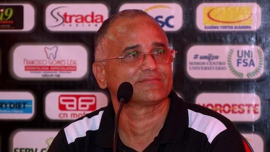 """Canindé propõe Galo """"pauleira"""", quer fim de jejum de títulos e chama Maradona para ser auxiliar"""