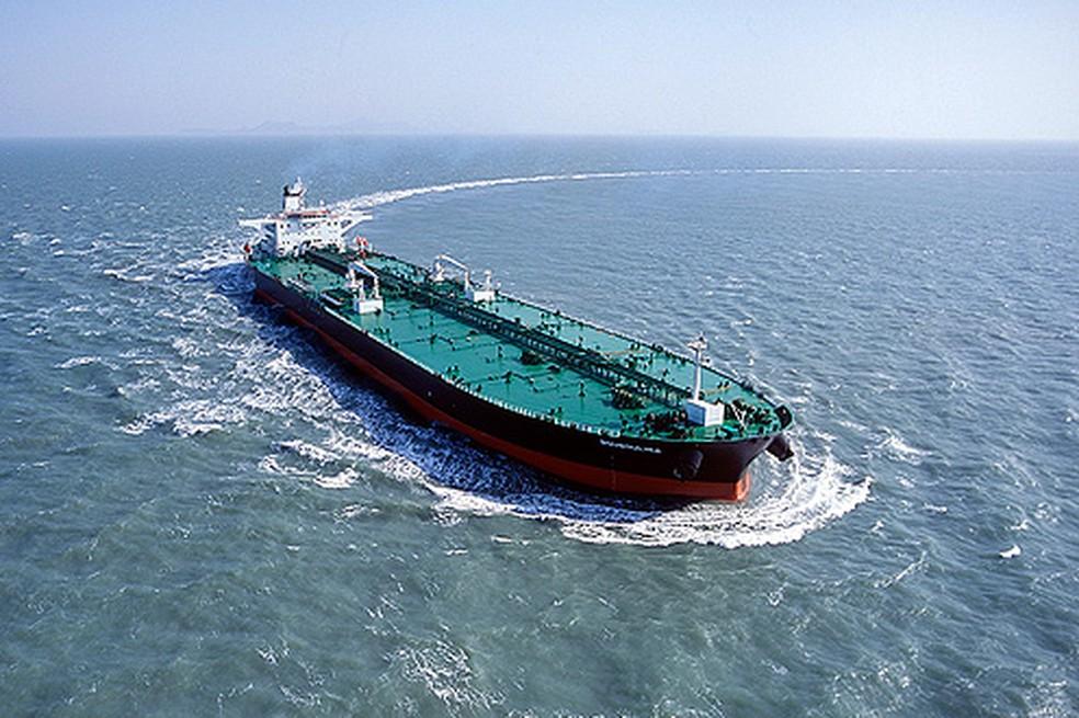 Bouboulina, navio petroleiro operado por empresa grega é suspeito de derramar o óleo que atinge o Nordeste, segundo a PF. — Foto: Divulgação