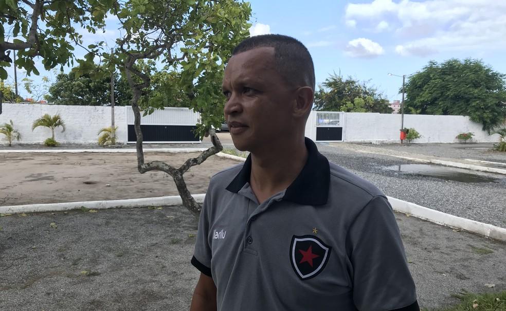 Warley levou duas facadas em assalto na Paraíba (Foto: Lucas Barros/GloboEsporte.com)