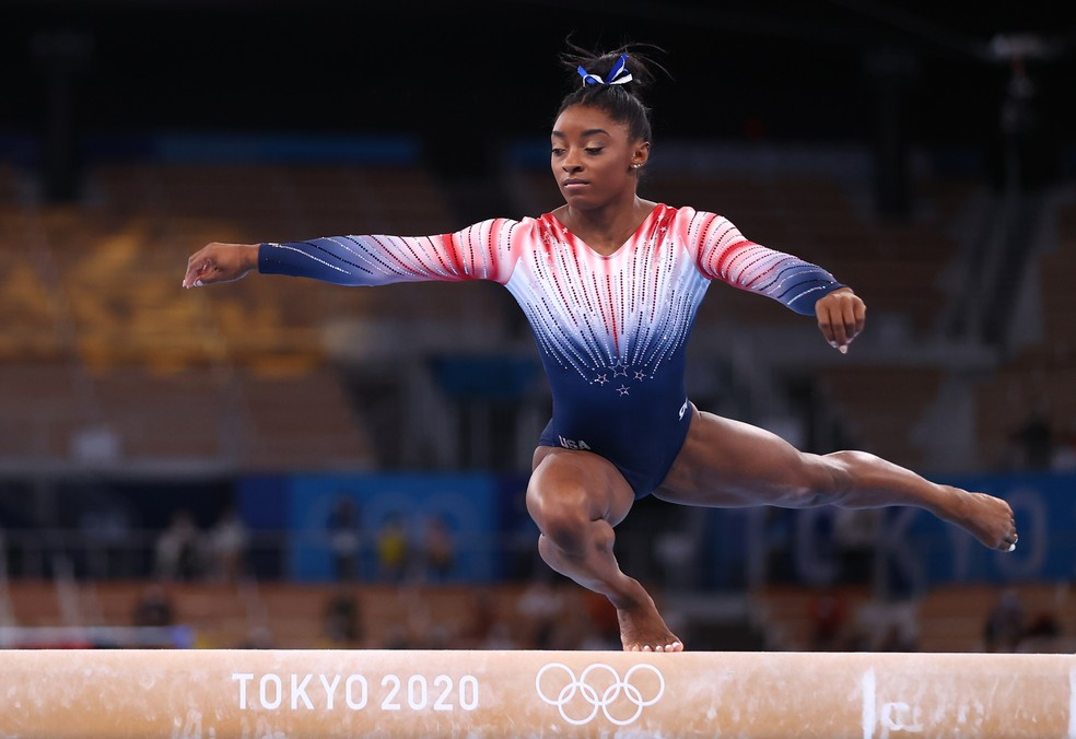 Simone Biles na final da trave nas Olimpíadas 2020 — Foto: REUTERS/Lindsey Wasson