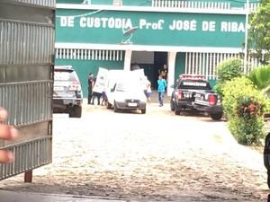 Delegacia de Homicídios também investiga o caso (Foto: Vinicius Vainer/TV Clube)