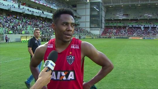Autor de golaço do Atlético-MG, Elias sai na bronca com tabela e gramado do Independência