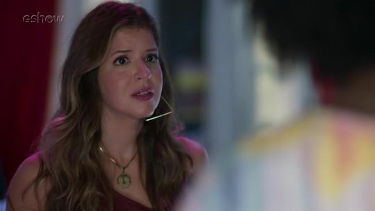 Carla se decepciona com Madureira