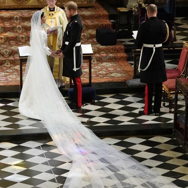 O véu de Meghan Markle homenageou os 53 países da Commonwealth  (Foto: Getty Images)