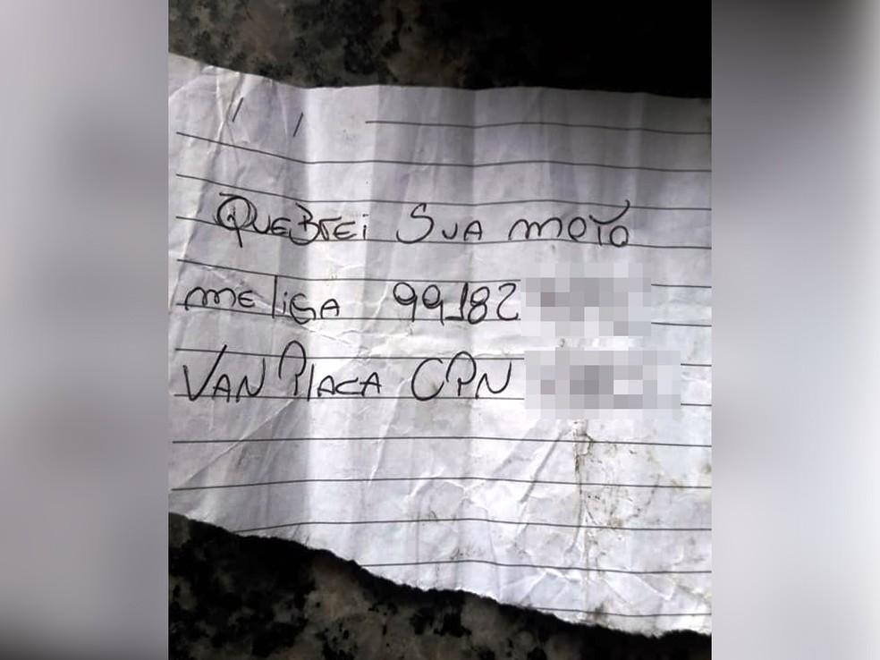 Foto de bilhete deixado em moto atingida, em Santos (SP), ganhou repercussão na internet (Foto: Marcos Garcia/Arquivo Pessoal)
