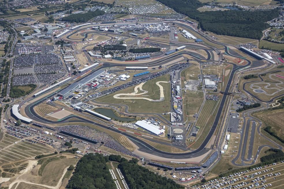 VIsão aérea do autódromo de Silverstone, na Inglaterra — Foto: Getty Images
