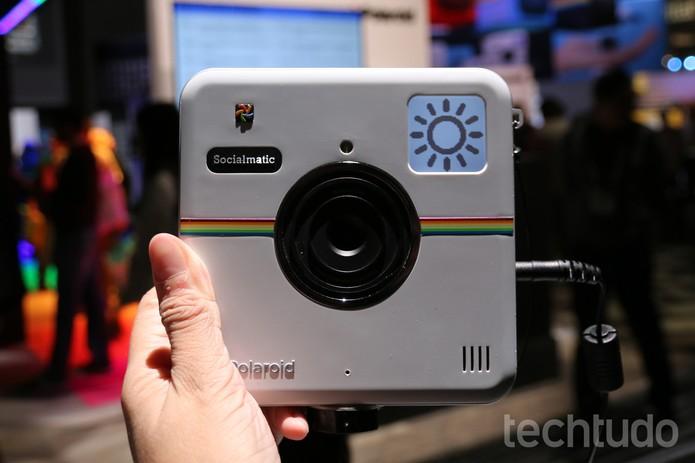 A Socialmatic, câmera da Polaroid, decepciona em nossos testes (Foto: Isadora Díaz/TechTudo)