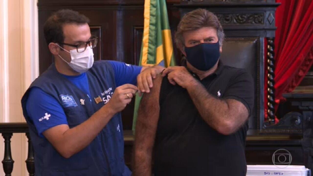 Ministro Luiz Fux, presidente do STF, é vacinado contra a Covid no Rio