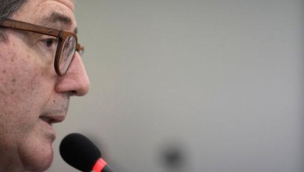 O economista Joaquim Levy pediu demissão da presidência do BNDES após Bolsonaro declarar que sua cabeça estava 'a prêmio' (Foto: Reuters, via BBC)