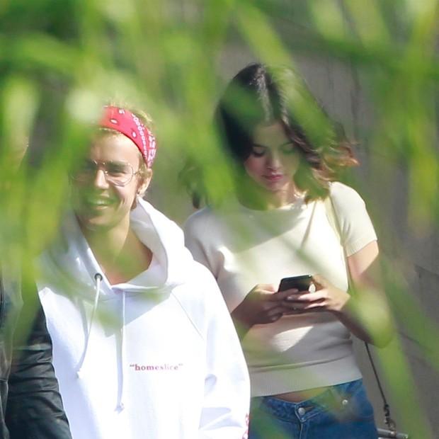 Justin Bieber e Selena Gomez (Foto: BACKGRID)