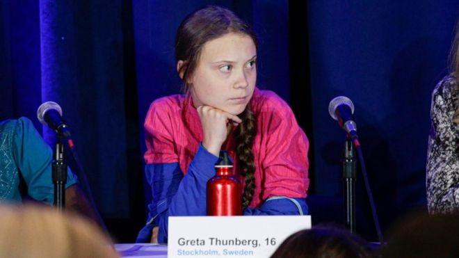 BBC: Greta Thunberg e outros 15 jovens ativistas apresentaram queixa contra a falta de ação governamental na crise climática (Foto: AFP/BBC)
