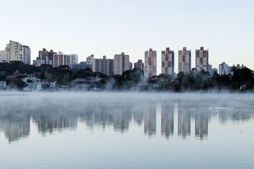 Último fim de semana foi o mais gelado do ano, em Curitiba — Foto: Ricardo Marajó/FAS