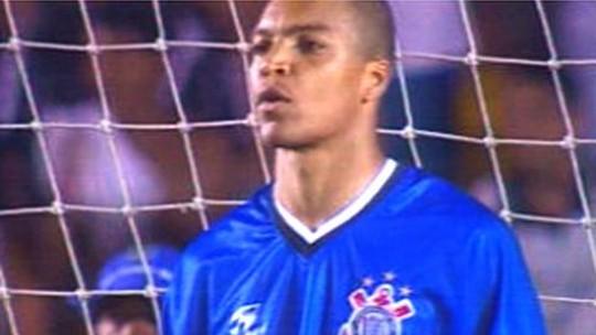 Palco de reestreia, Maracanã liga Oswaldo de Oliveira a memórias com Fluminense e Corinthians