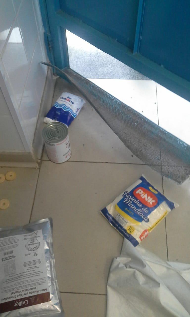Escola tem merenda furtada e alunos ficam apenas com bolacha e leite em Guarujá - Noticias