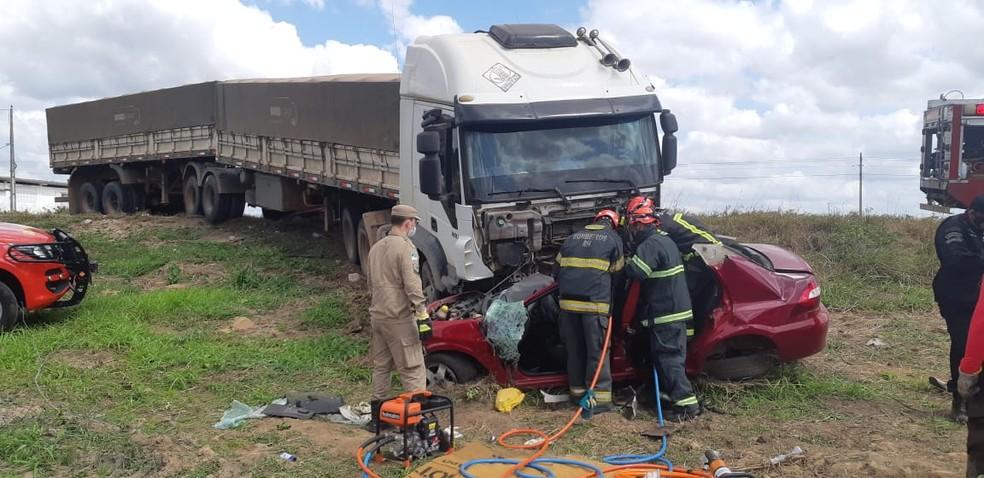 Grave acidente na BR-304 deixa 4 mortos e 1 ferido — Foto: Cedidas / PRF