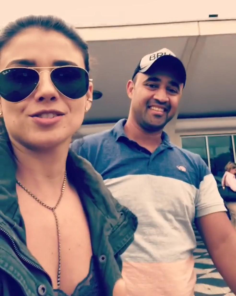 Paula Fernandes postou vídeo para agradecer dupla que devolveu mala esquecida no aeroporto de Congonhasesqueceu no aeroporto de COngonhas (Foto: Reprodução/Instagram)