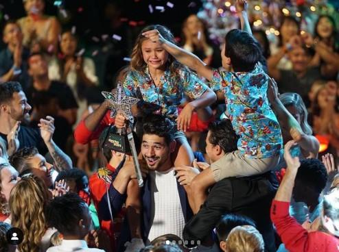 Sky Brown na vitória do 'Dancing with the Stars: Juniors' (Foto: Reprodução)