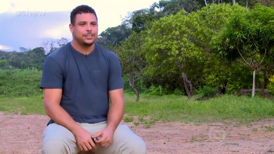 'Caldeirão': relembre visita de Huck e Ronaldo Fenômeno à aldeia indígena que desconhecia futebol