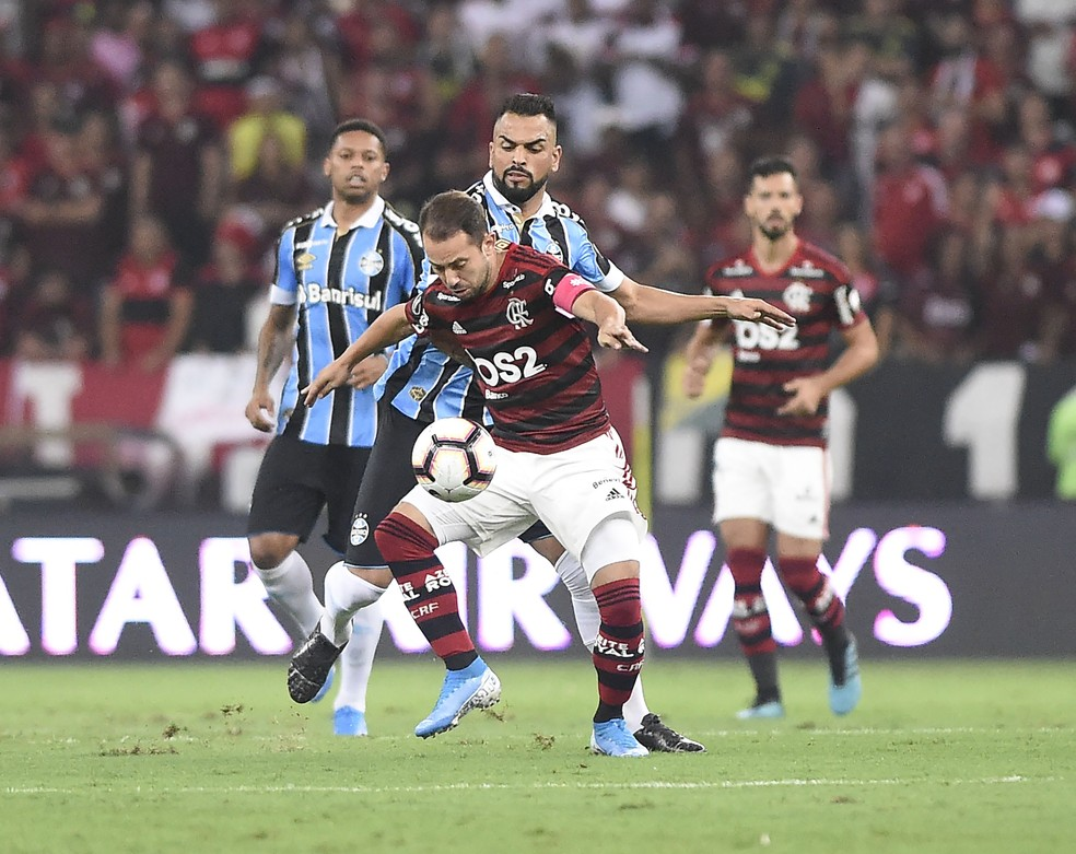 Reencontro de Grêmio e Flamengo ocorre em agosto — Foto: André Durão