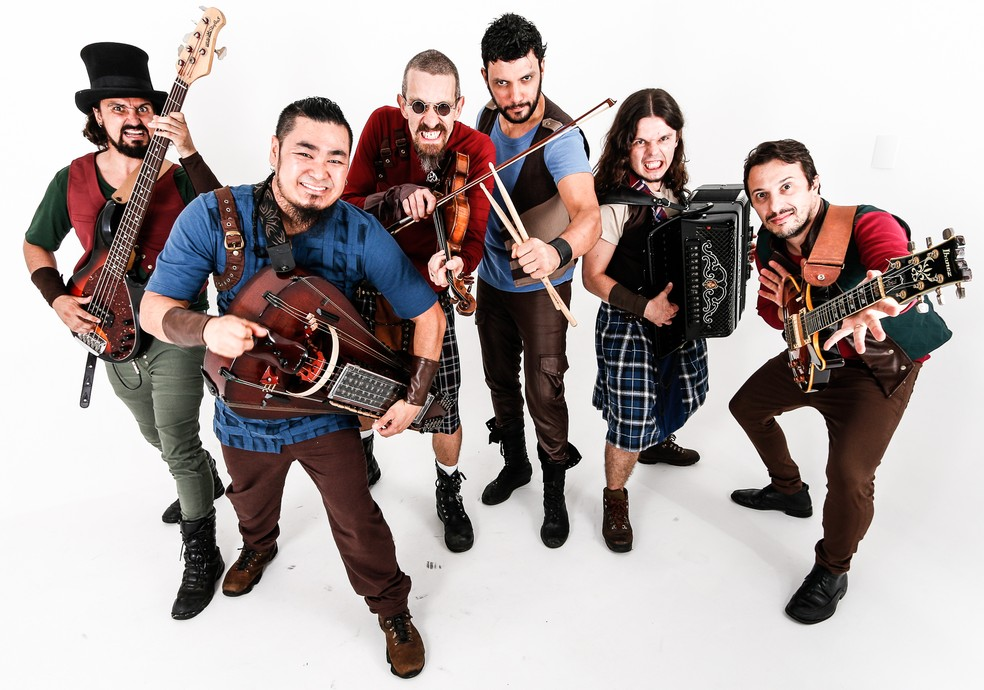 Banda de folk rock Terra Celta se apresenta em Ponta Grossa nesta sexta-feira (2). — Foto: Pocbit