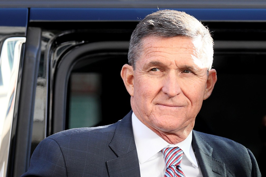 Ex-assessor de Trump, Michael Flynn chega a tribunal em Washington para ouvir sua sentença, em 18 de dezembro — Foto: Jonathan Ernst/Reuters