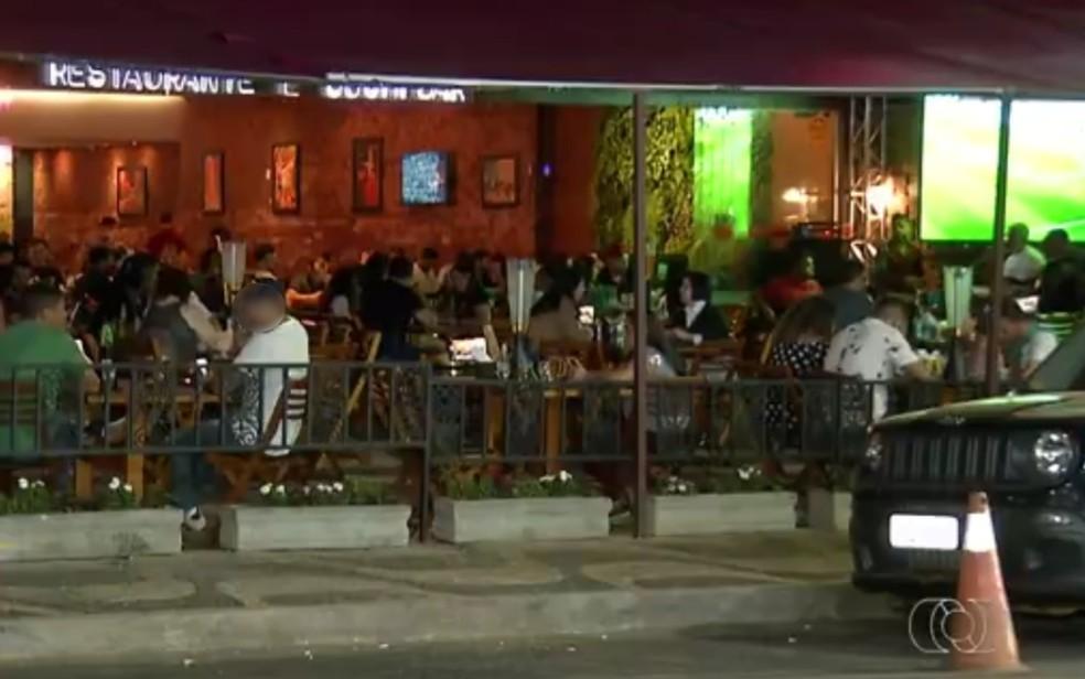 Bar onde garçonete foi vítima de racismo — Foto: Reprodução/TV Anhanguera