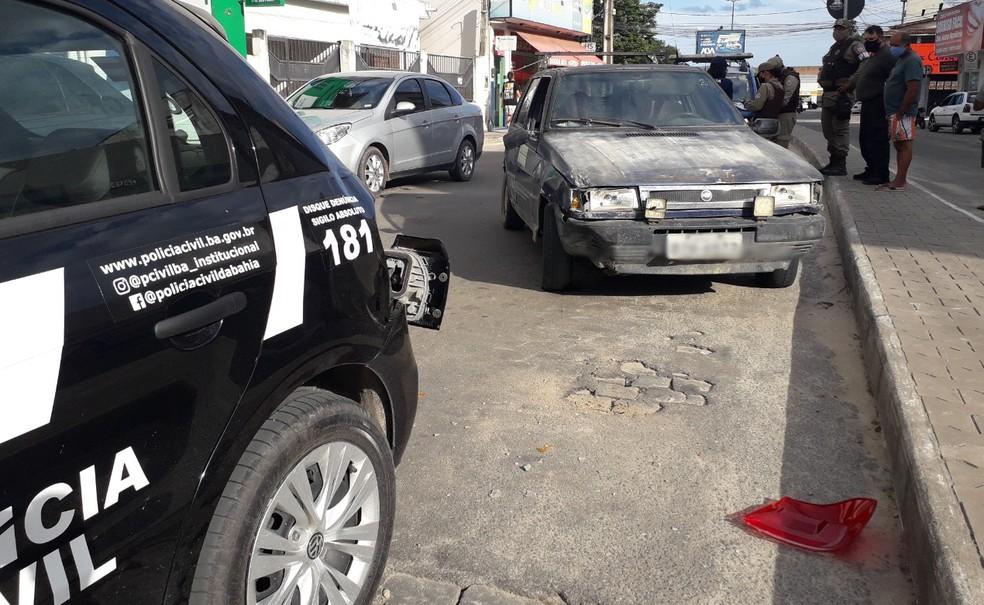 Motorista sem CNH e embriagado foi preso após bater em viatura da Polícia Civil em Teixeira de Freitas — Foto: Lenio Cidreira/ Site Liberdadenews