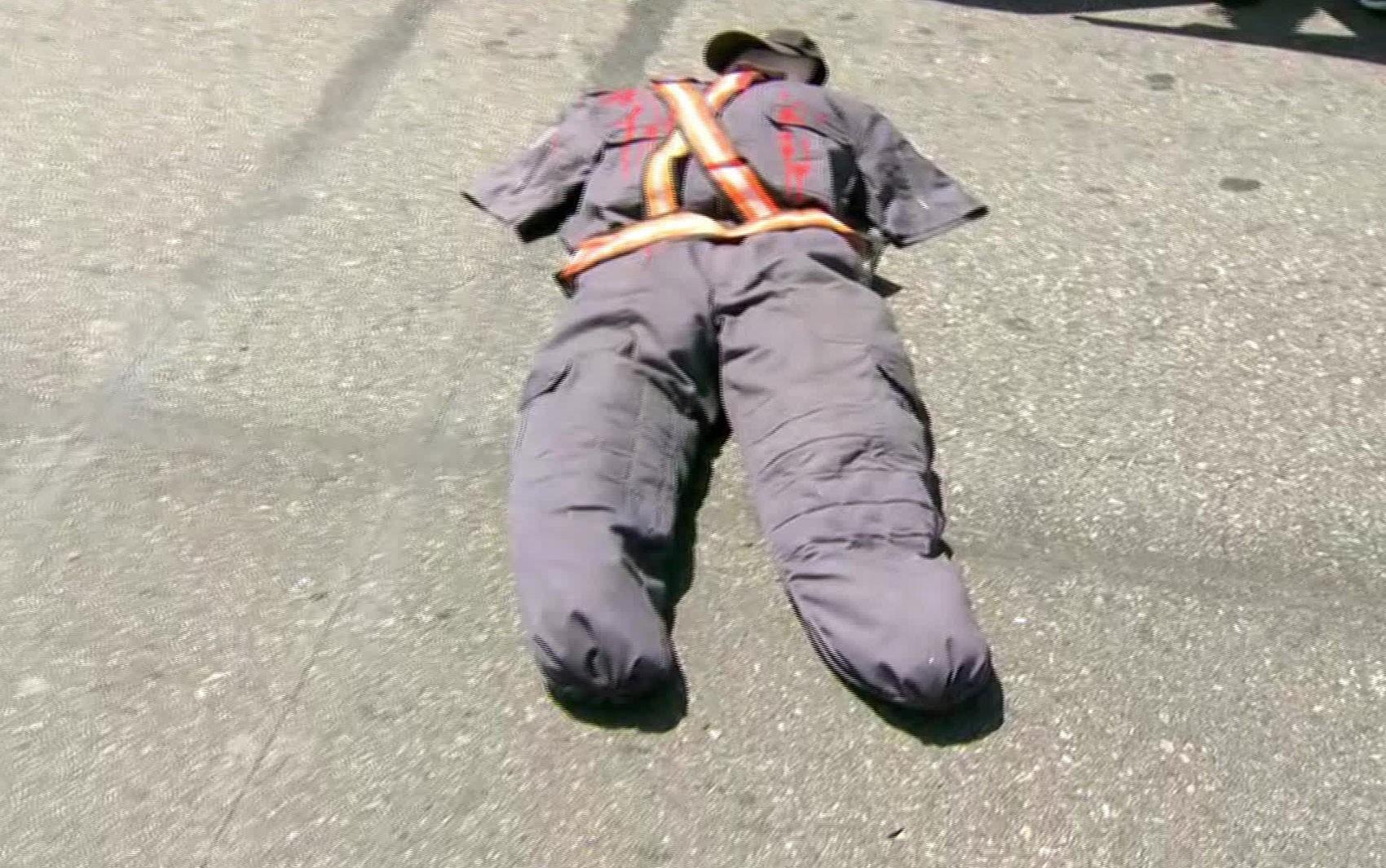 Familiares de policiais mortos no RJ fazem protesto em Copacabana
