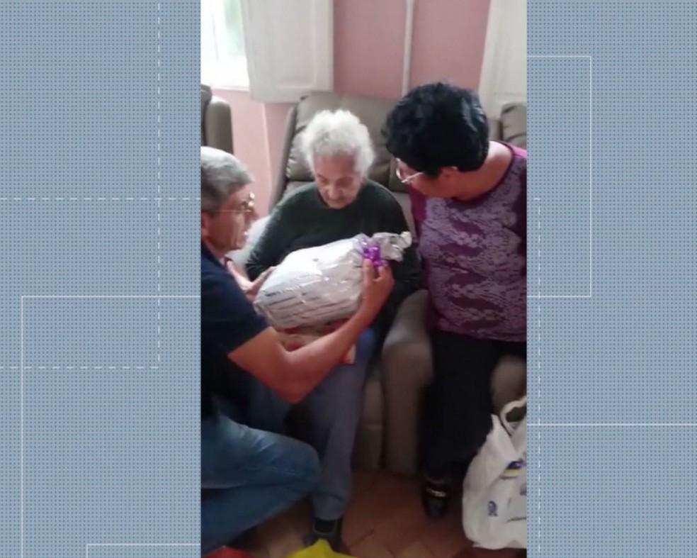 Maria reencontra a família depois de 54 anos — Foto: Reprodução/RPC