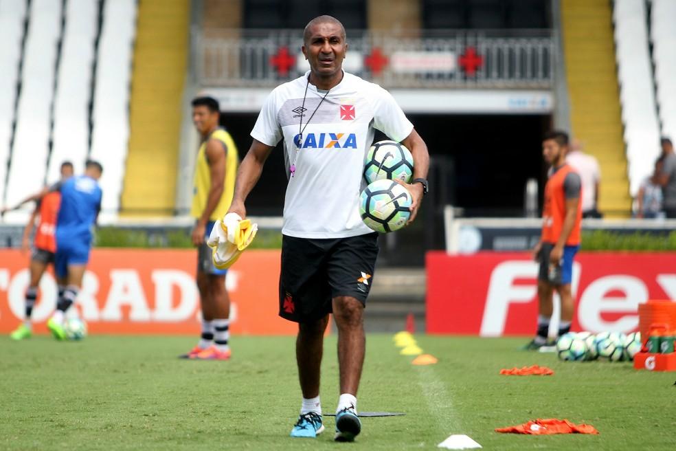 Cristóvão Borges  deixou o Vasco em março do ano pasado, após queda do time na Copa do Brasil (Foto: Paulo Fernandes / Vasco)