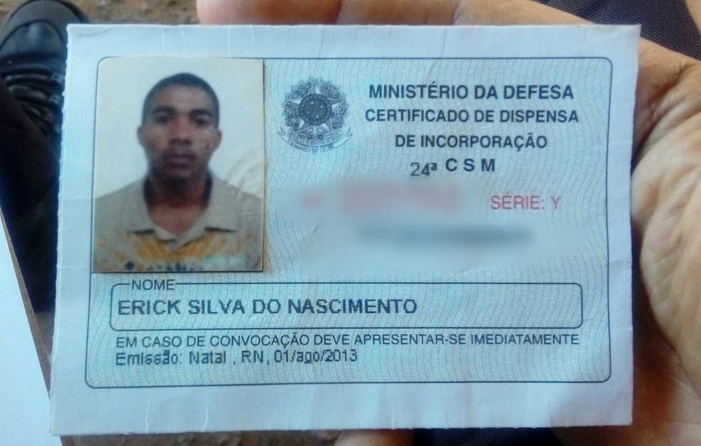 Vítima foi identificada como Erick Silva do Nascimento, de 24 anos, mais conhecido como 'Soldado' (Foto: PM/Divulgação)