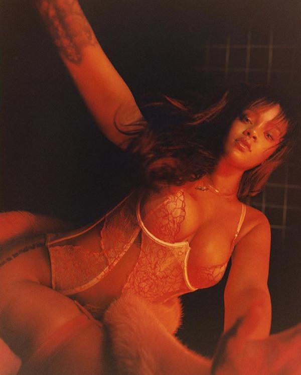 Rihanna lança linha de lingerie. (Foto: Instagram Rihanna/ Reprodução)