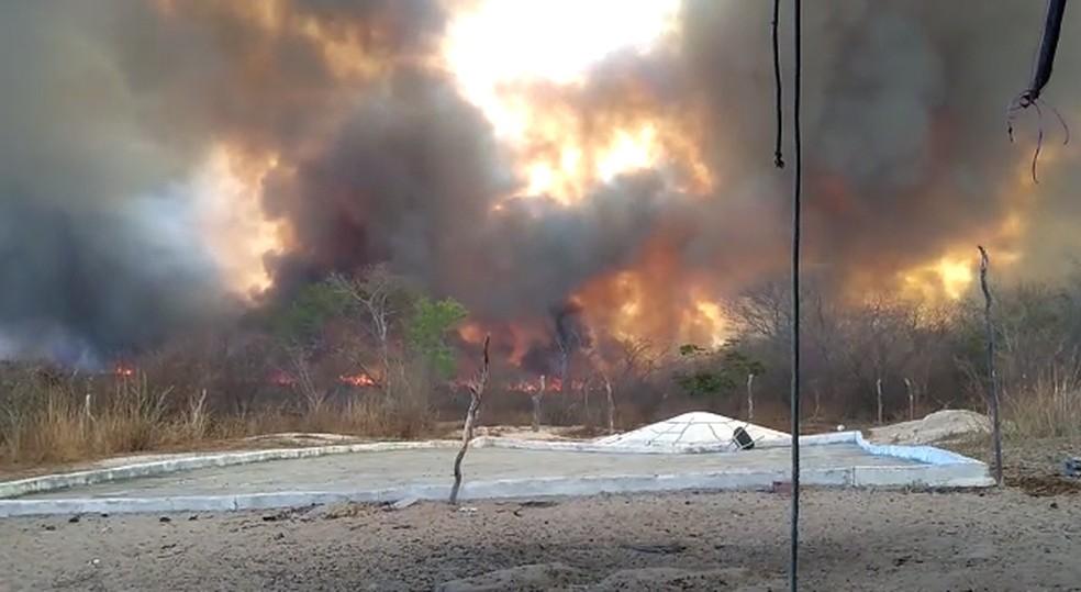 Incêndio em Aroeira do Itaim, Sul do Piauí — Foto: Divulgação/Corpo de Bombeiros