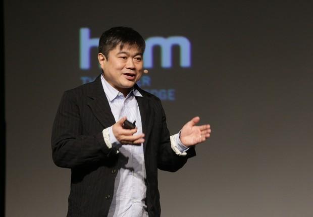 Joi Ito, ativista e investidor japonês e diretor do MIT Media Lab, durante apresentação na HSM Expo 2018 (Foto: Divulgação/HSM)