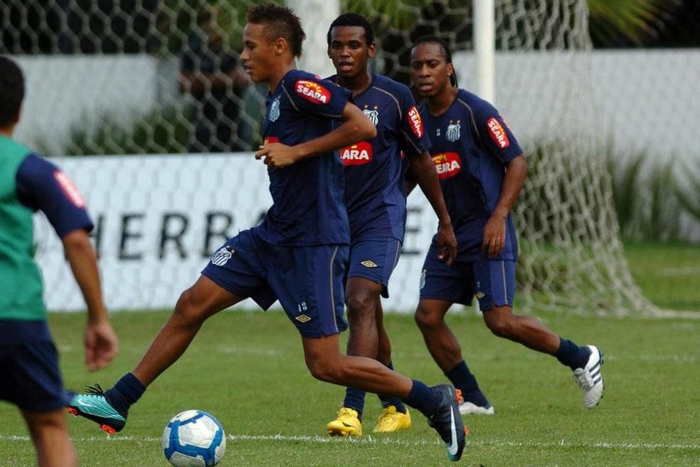 Café atuou ao lado de Neymar na base e nos profissionais — Foto: Divulgação/ Santos