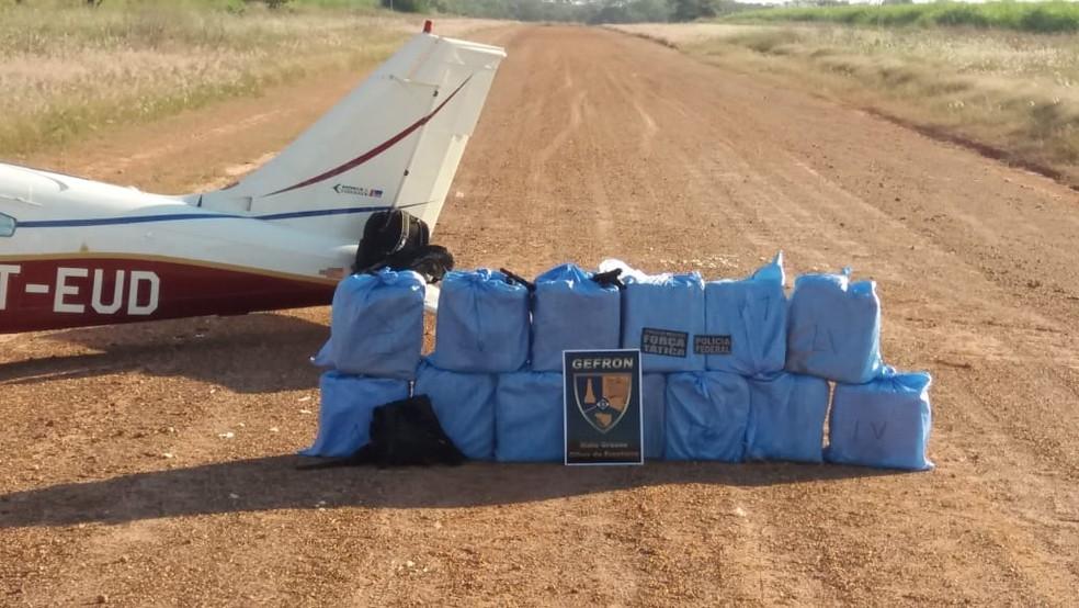 Segundo a polícia, droga proveniente da Bolívia seria encaminhada para a Europa (Foto: Gefron-MT)