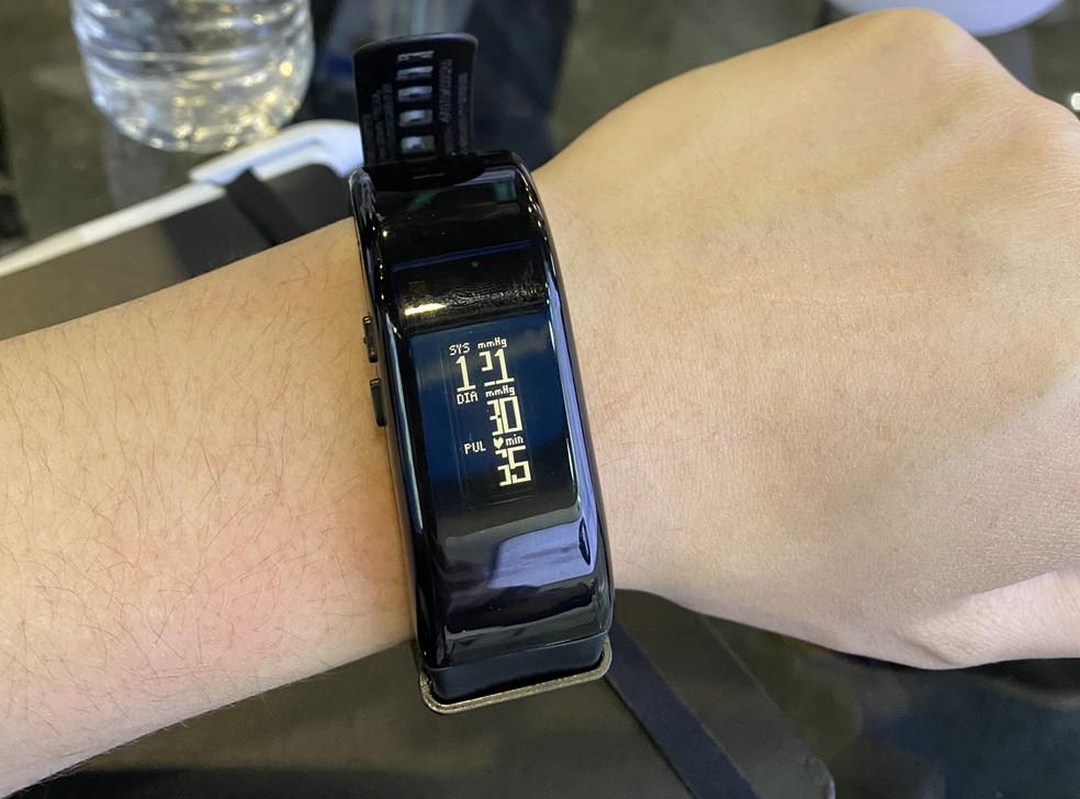 Medidor de pressão arterial apresentado na CES 2020 — Foto: Thiago Lavado/G1
