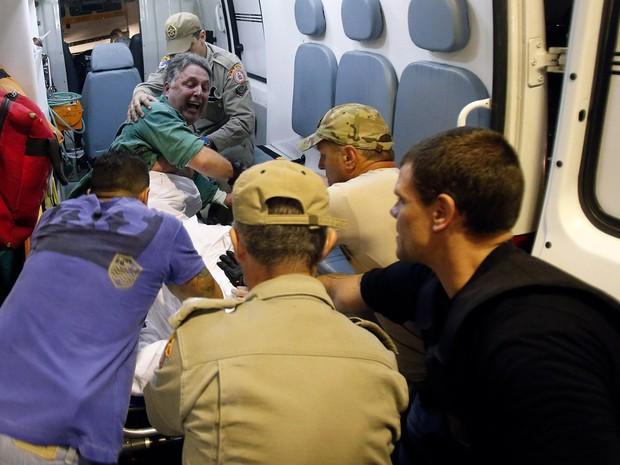 Anthony Garotinho é transferido de hospital para presídio em Bangu no Rio (Foto: Alexandre Cassiano/Agência O Globo)