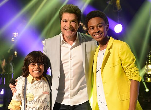 O cantor Daniel grava cenas com os personagens Miguel (Pedro Miranda) e Zeca (Jean Paulo Campos) (Foto: Zé Paulo Cardeal)