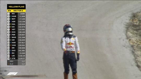 Irritado com mais uma quebra, Ricciardo dá soco na parede dos boxes da RBR em Austin