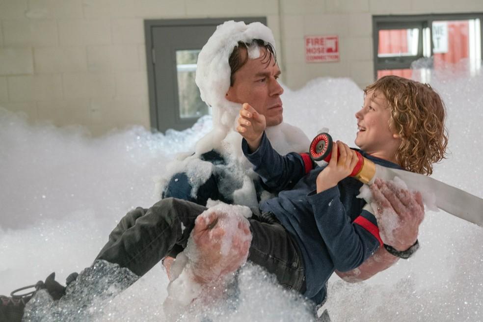 Cena do filme 'Brincando com Fogo' — Foto: Reprodução
