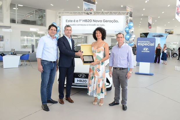 Primeira compradora do HB20 (Foto: Divulgação)
