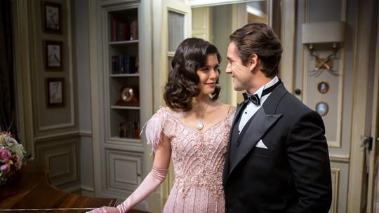 Primeira vez de Cris e Danilo esquenta a semana de 'Espelho da Vida'