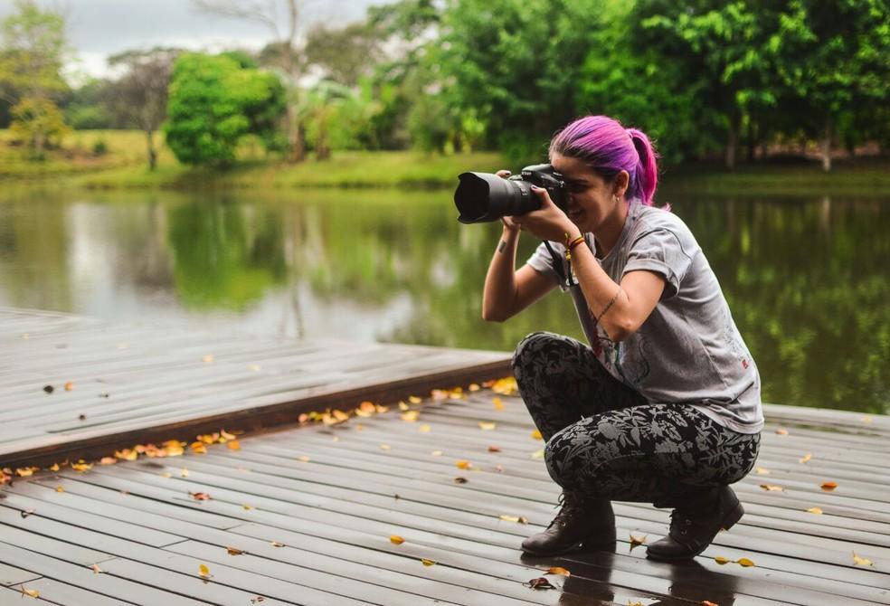 Jovem faz foto, em imagem de arquivo — Foto: Marco Bernardi/G1