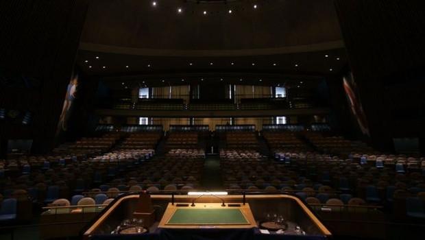 Há exatos 70 anos, o diplomata brasileiro Oswaldo Aranha inaugurou a tradição, fazendo o discurso de abertura da Assembleia Geral, o que, historicamente, daria ao Brasil a prioridade sobre o microfone (Foto: Getty Images via BBC Brasil)