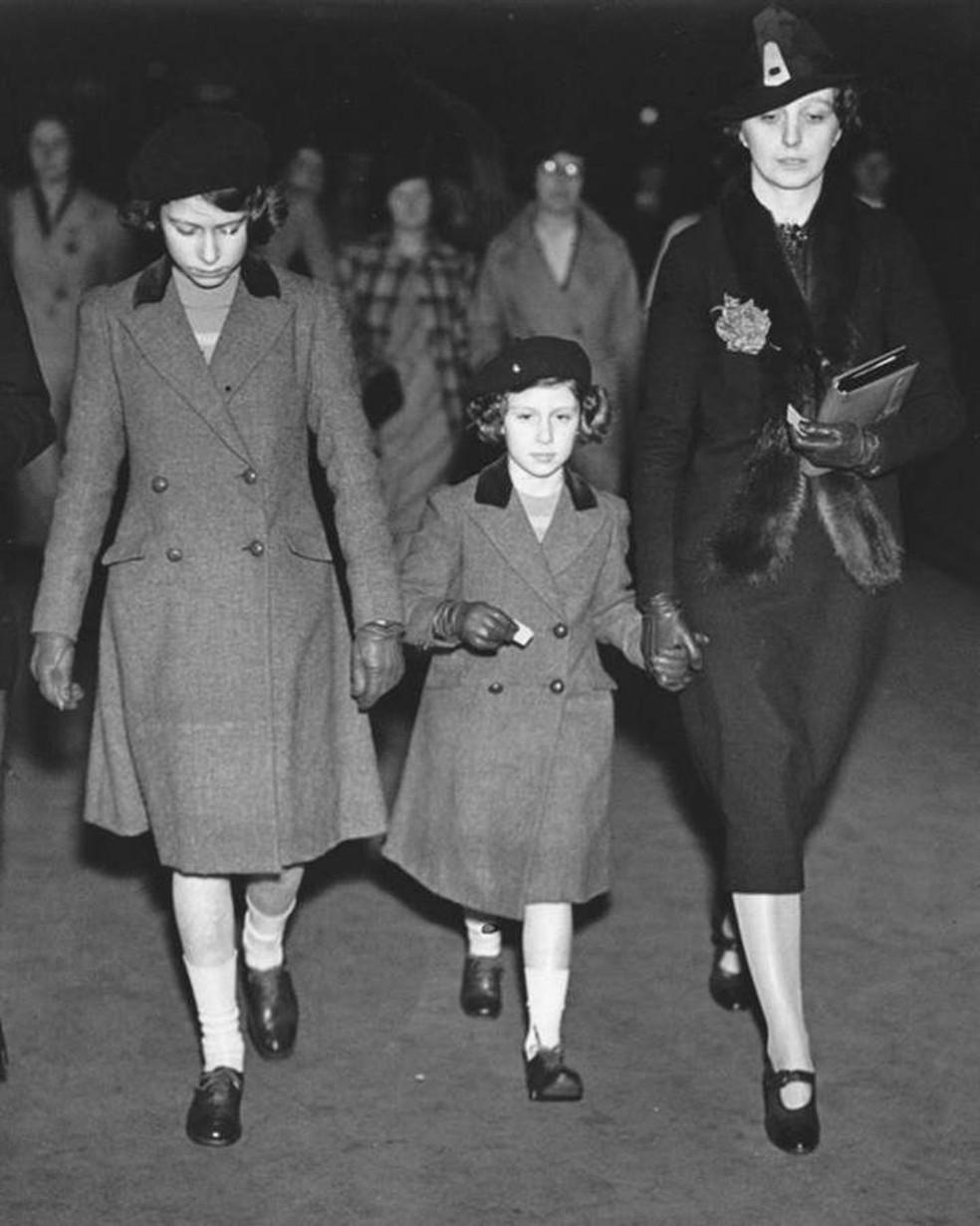 'Crawfie' era governanta das princesas Elizabeth e Margaret e apresentou a elas aspectos da vida cotidiana — Foto: Getty Images via BBC