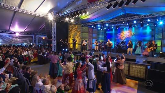 Jacson Moraes toca e canta 'Eu Sou do Sul' com exclusividade para o site do 'Galpão'