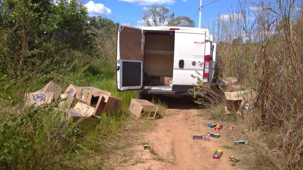 Carga de cigarros roubada por criminosos em Araguaína em 2020 — Foto: PM/Divulgação